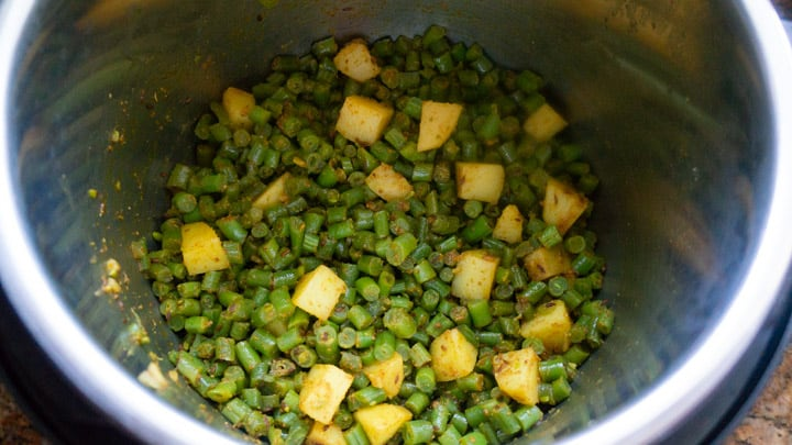 Aloo Beans Instant Pot / Indian Green Beans Curry - ready in pot