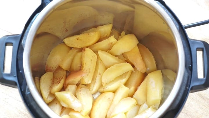 Applesauce made in Instant Pot Pressure Cooker - Apples cooked and ready to be pureed