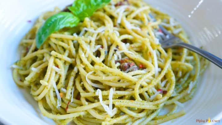 Instant Pot Spaghetti in Pesto