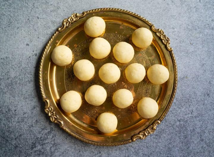 Balls to make Khoya Gulab Jamun at home
